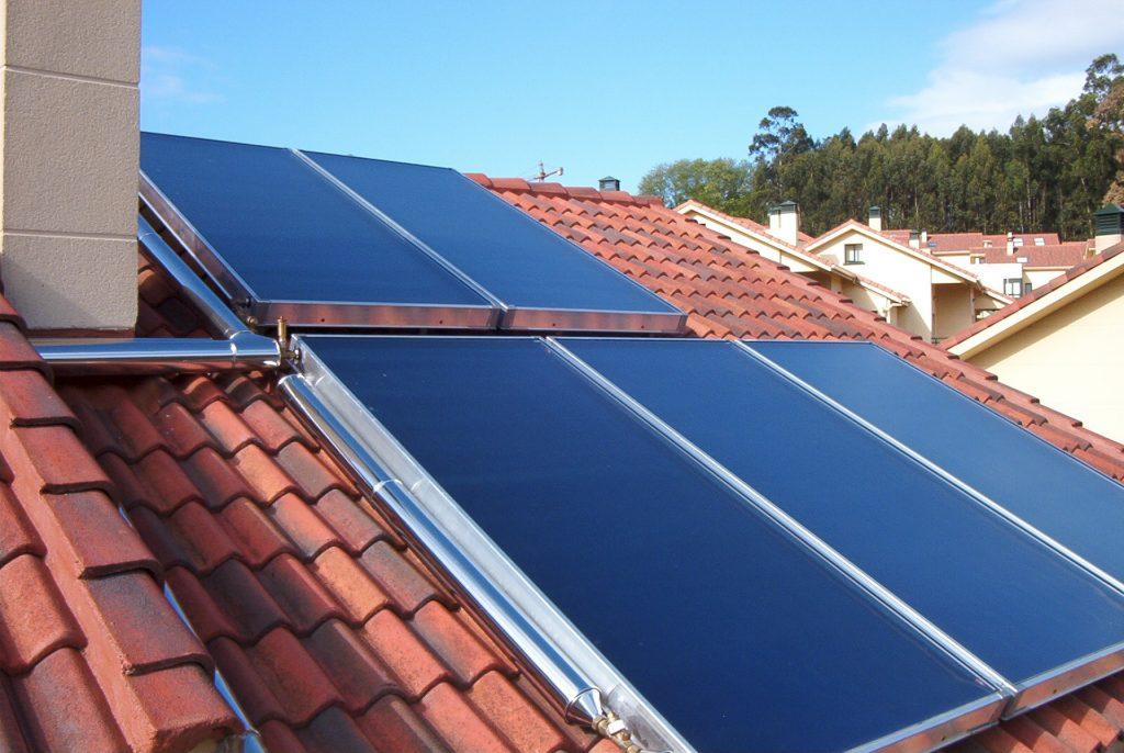 Placas Solares Térmicas en un tejado