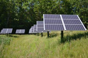Placas Fotovoltaicas en una llanura
